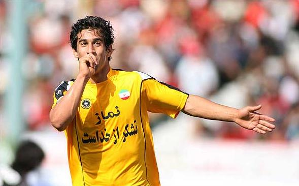Ehsan Hajsafi Returned to Sepahan