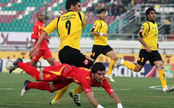 Esmaeil Sharifat, the winger of Foolad FC